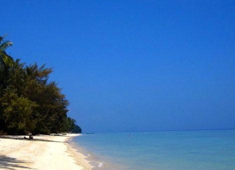 Фотографии острова Ко Нгай (Ko Ngai) - маленького высококачественный курортного острова Таиланда.