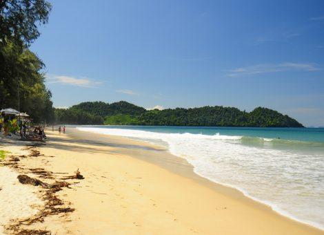 Фото и описание острова  Ко Пайям (Ko Phayam) - одной из немногих оставшихся почти нетронутыми природных жемчужин среди островов Тайланда.