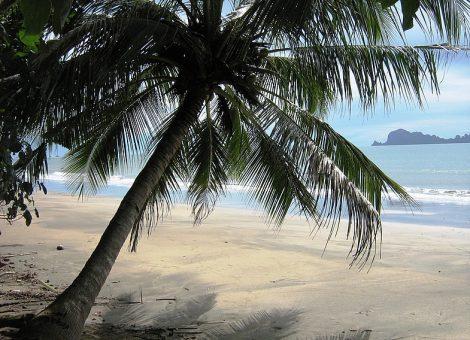 Ко Сукорн (KoSukorn) – маленький, не самый посещаемый остров на юге Таиланда с первозданной красотой природы.