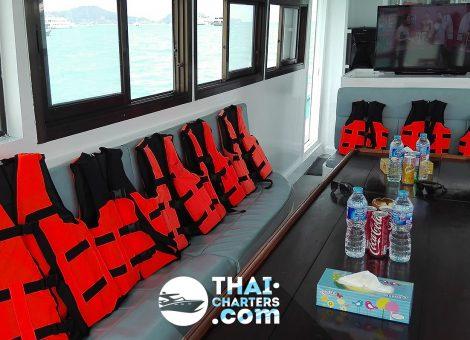 Продается прогулочная рыбацкая лодка «Nana». Отличный выбор для большой компании.