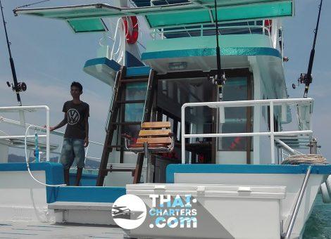 Прогулочная рыбацкая лодка «Nana». Отличный выбор для большой компании.  В аренду на Пхукете.