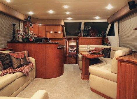 Продается скоростная, глиссирующая моторная яхта Anna Maria 50 футов