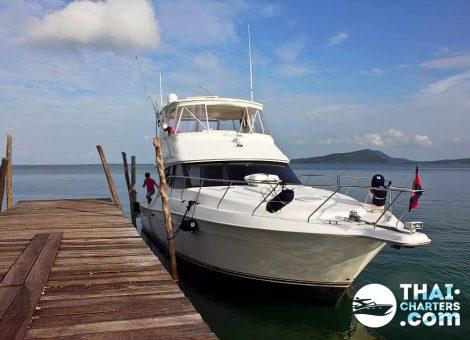 Скоростная, глиссирующая моторная яхта Anna Maria 50 футов , в аренду на Пхукете. Для тех, кто хочет, путешествовать с комфортом!