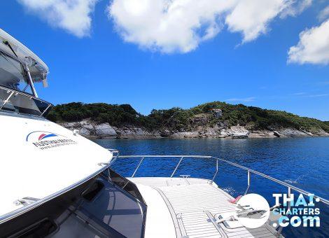 Идеально подходит для комфортабельной рыбалки и дневного яхтинга. За день — вы попадете на любые острова в акватории Пхукета и соседних провинций.