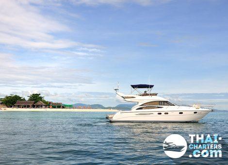 Безупречный дизайн и сверхсовременные технологии делают моторную яхту Princess 42 культовой в модельном ряду английской верфи.