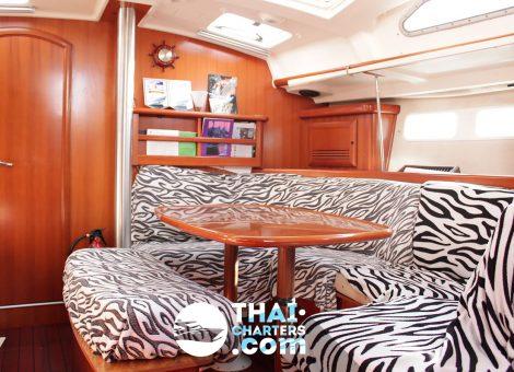 Monohull classic sailing yacht - Beneath 42f.
