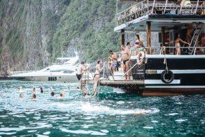 Продается моторная яхта Melody на Пхукете