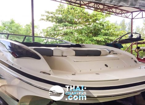 На Пхукете продается скоростной катер Rinker  Captiva 246 CC. Катер отлично подходит для морских прогулок и снорклинга. Прекрасный вариант для сдачи в аренду.