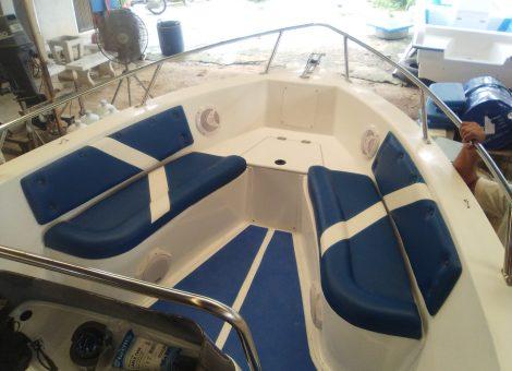 Cамый выгодный по стоимости, из вместительных катеров  представленных на Пхукете. отлично подходит для морских прогулок и снорклинга.